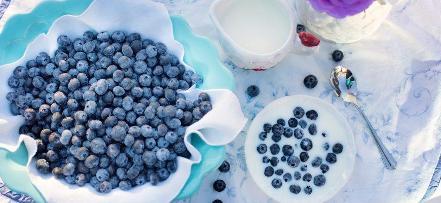 blueberries-1576409_1280