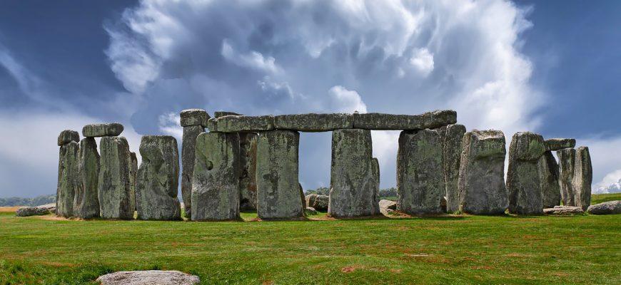 stonehenge-2287980_1280